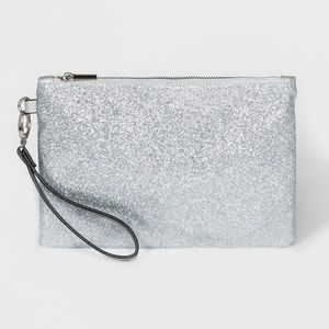⛅️🌈⛅️ Silver Glitter Wristlet ⛅️🌈⛅️